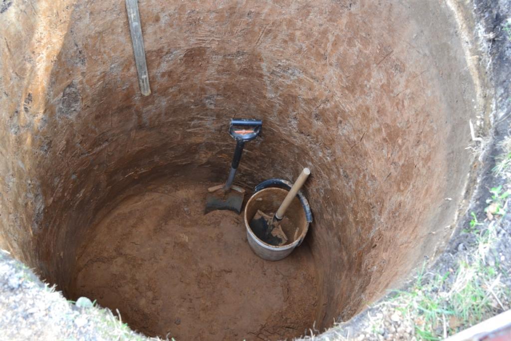 копаем яму под септик